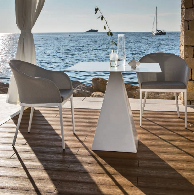 Outdoor Dining Table 09511