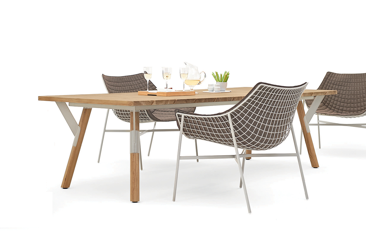 Outdoor Dining Table 09529