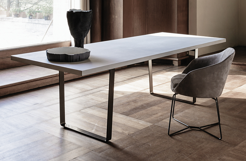Dining Table 05335
